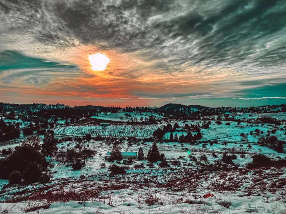 snowfall at sunset in julian california a place for snow in san diego