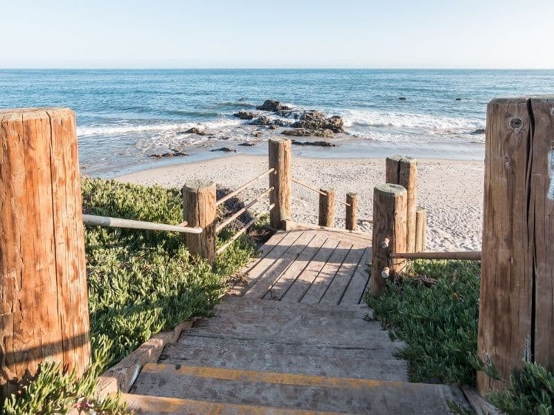 the stairs leading down to the beach at carpinteria