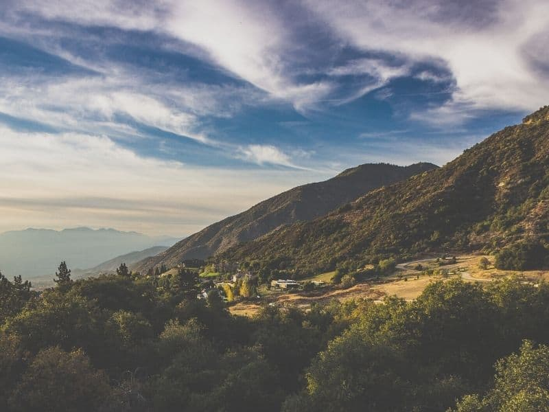 oak glen scenic viewpoint in the mountains of california